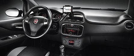 Fiat Punto 2012 vue intérieure tableau de bord