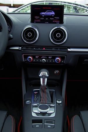 Audi A3 Sportback 2012 vue tableau de bord 2