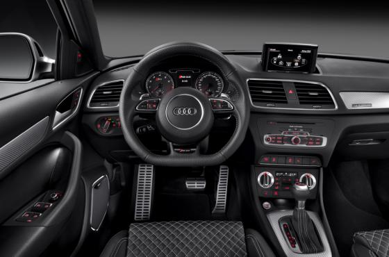 Audi RS Q3 interieur 01