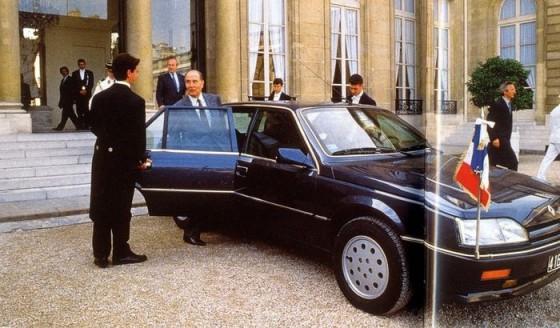 François Mitterrand et sa Renault Safrane