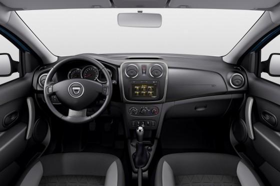 Vue d'ensemble intérieur du 4x4 de Dacia