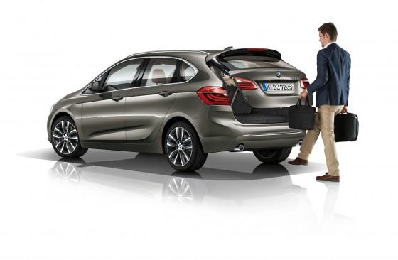 Ouverture coffre avec pied BMW Série 2 Active Tourer