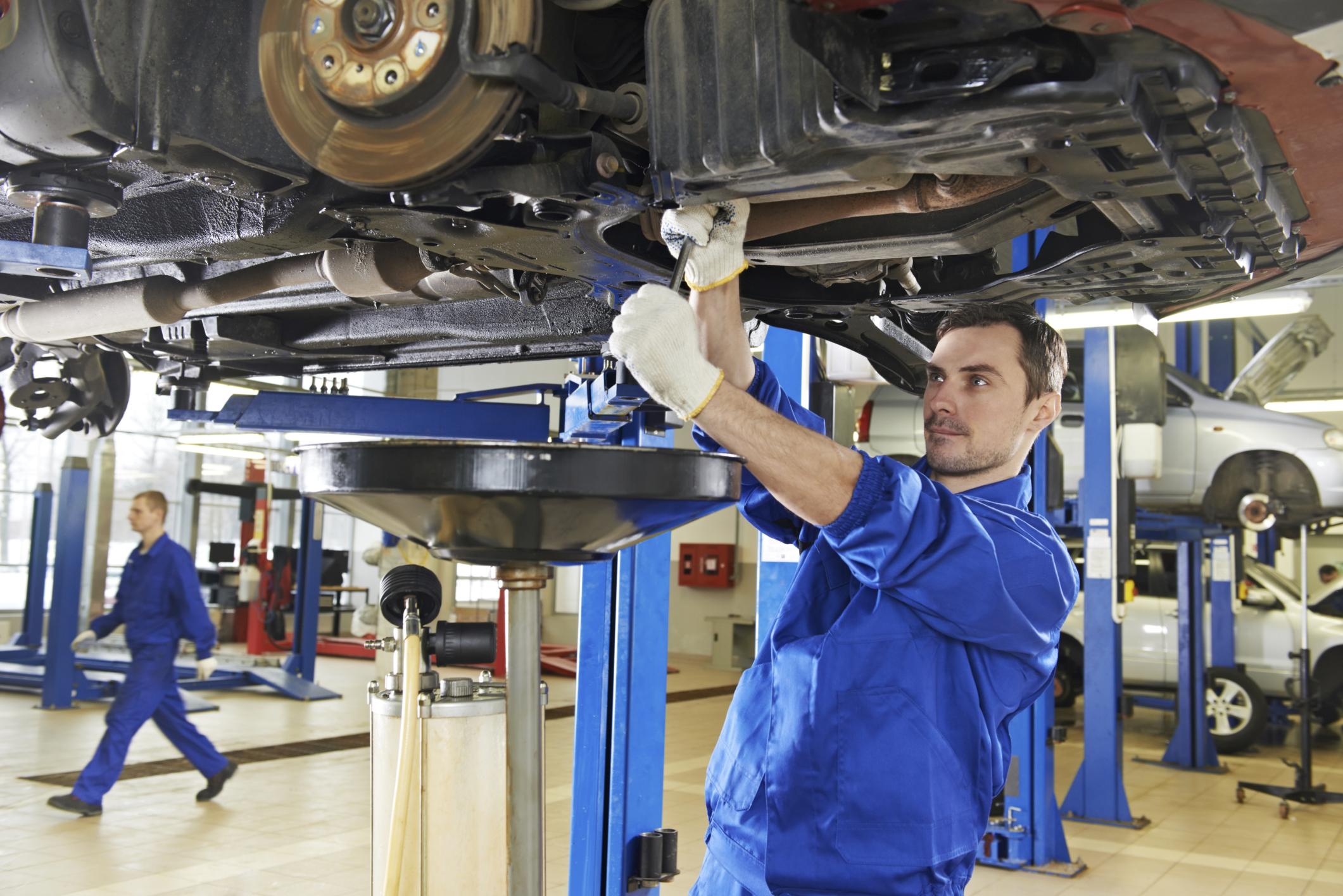 Pourquoi les réparations de nos autos valent toujours plus chères ?