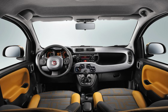 interieur Panda Cross