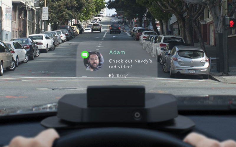 Navdy : votre smartphone sur le pare-brise de votre voiture