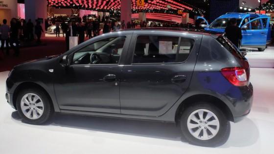 Dacia Sandero-Black-Touch