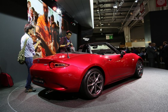 Mazda-MX5-CC-Paris_07