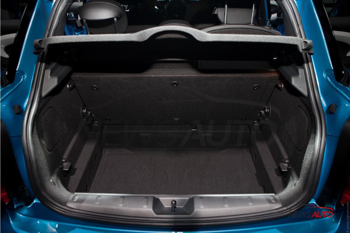 voici la mini cooper s en 5 portes news auto. Black Bedroom Furniture Sets. Home Design Ideas