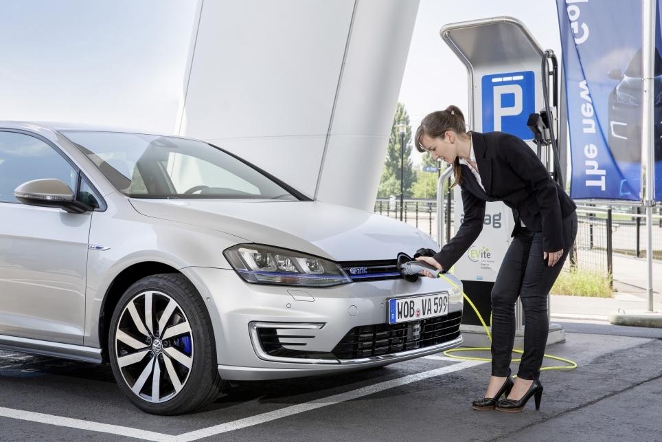 Golf GTE : Écologique et sportive la Volkswagen hybride rechargeable à l'essai