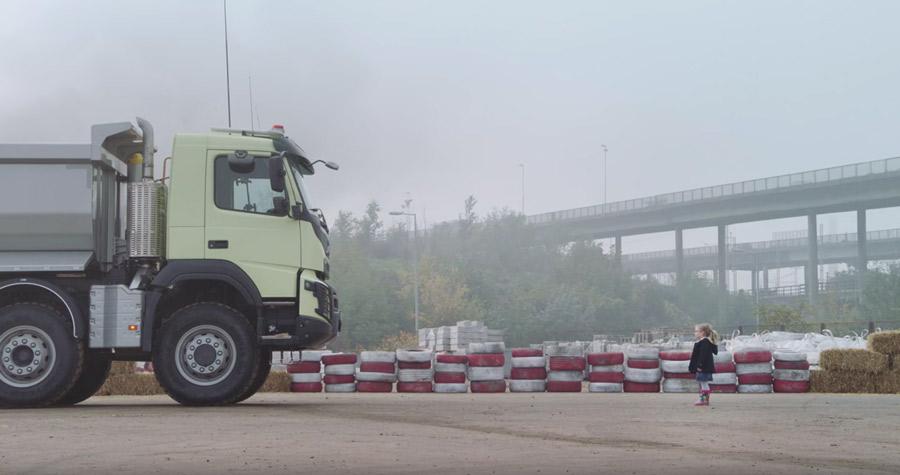 Volvo Trucks : maître de l'incroyable